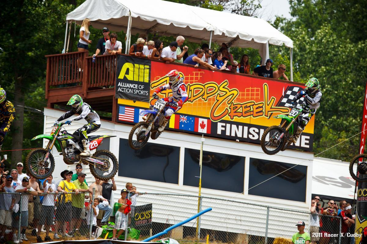 250 moto 1st lap