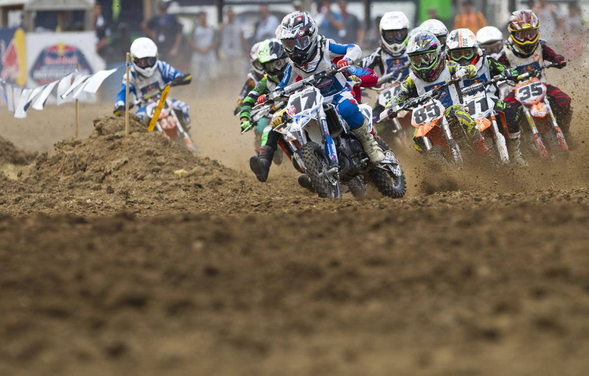 The classic start at Loretta Lynn's.