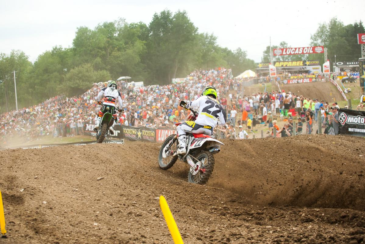 Chad Reed chases Jake Weimer