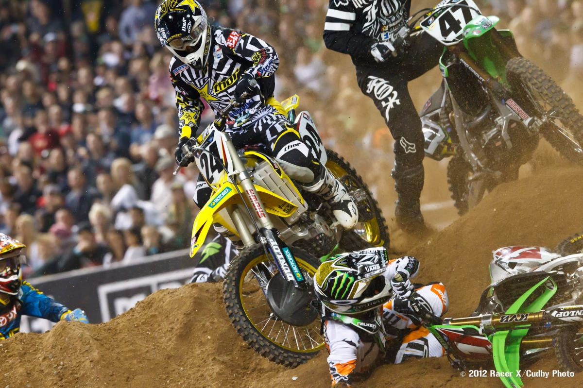 Ryan Villopoto crashes