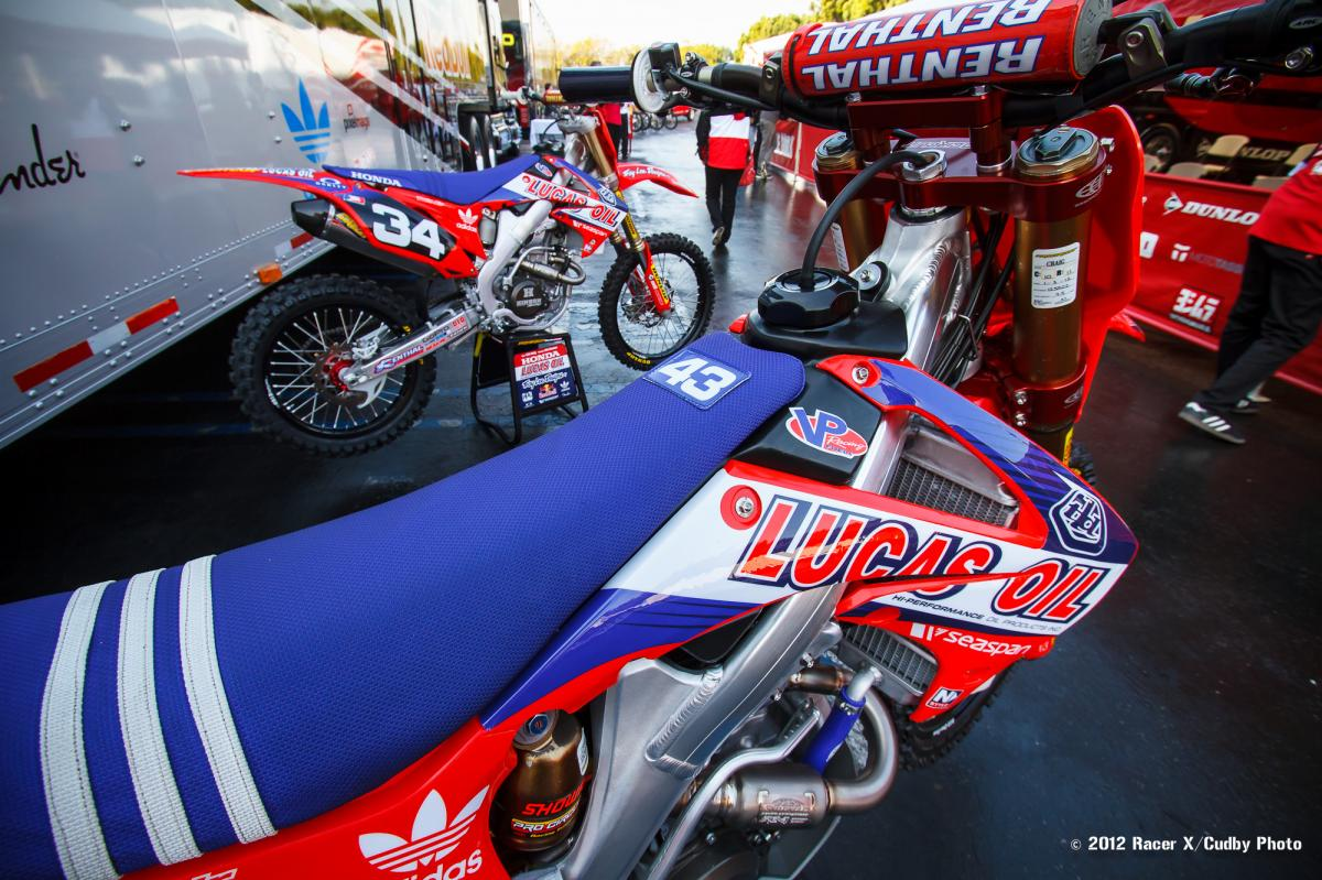 Troy Lee team bikes