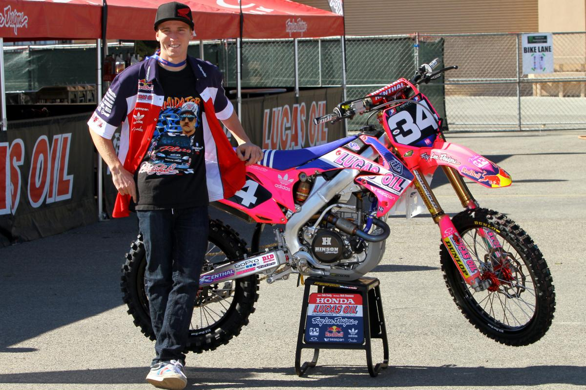 The Lucas Oil/TLD team went pink for A2