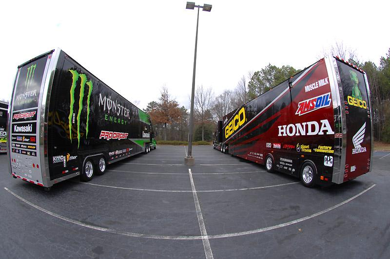 Monster Energy Pro Circuit Kawasaki / GEICO Honda