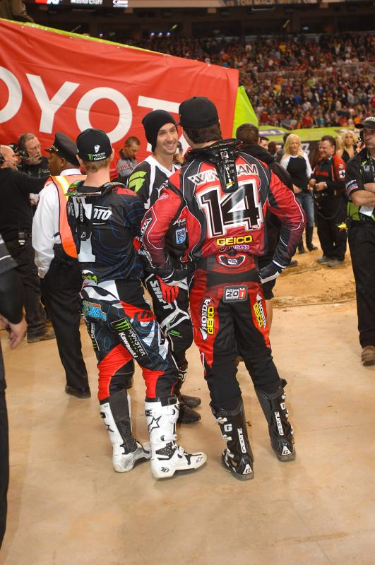Windham, Villopoto and Hansen chatting it up