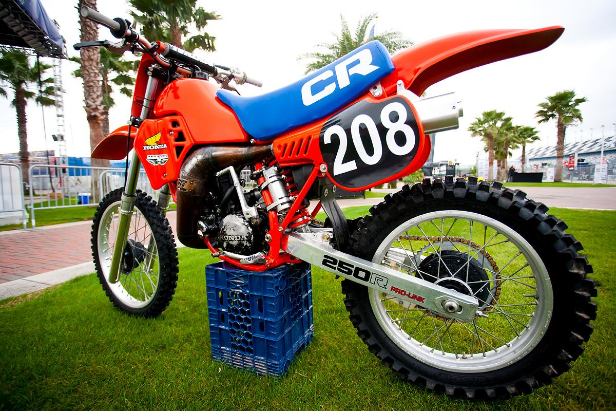 Old-School CR250