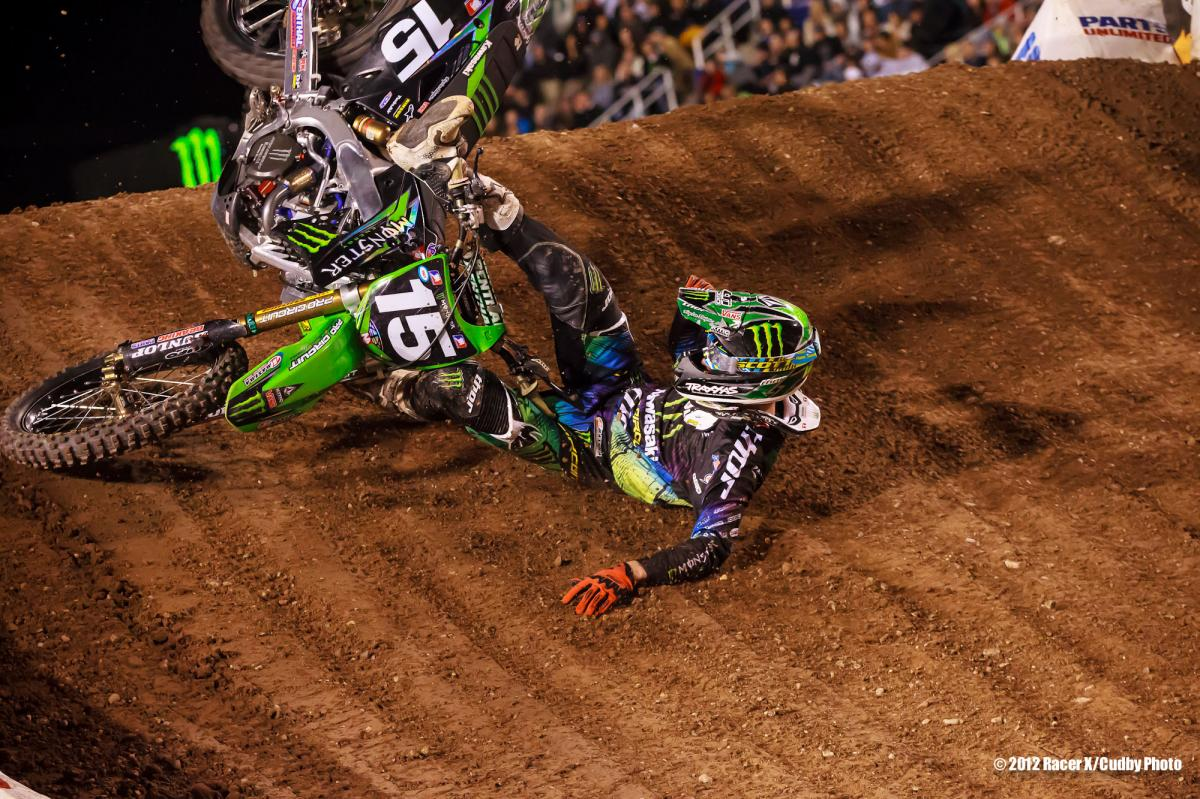 Dean Wilson crashes in the 250 main