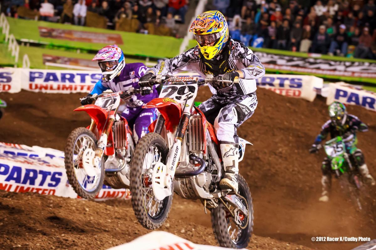 Andrew Short battles Justin Brayton