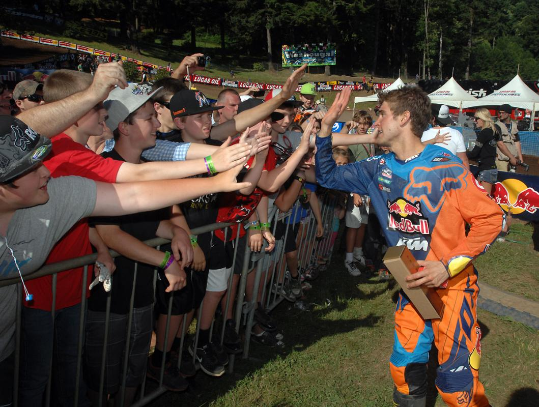 Fans giving Dungey props.