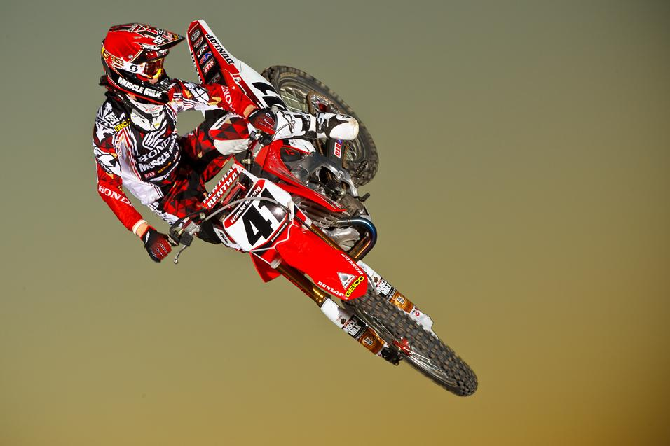Rapid ReaXtion:  Canard Re-Signs with Honda