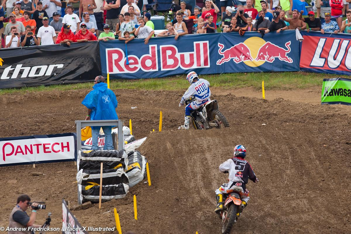 Alessi and Dungey battle.