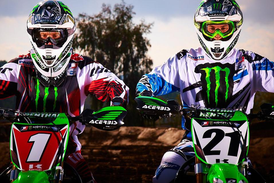 Rapid ReaXtion: Kawasaki<br /> Signs RV and Weimer
