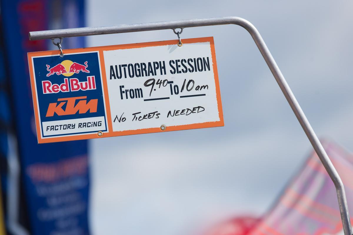 KTM Autograph Session