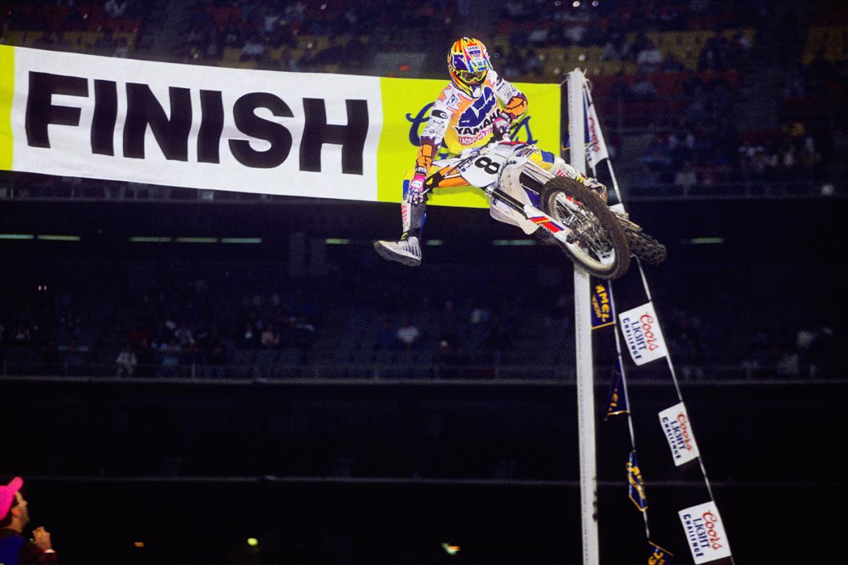 Damon Bradshaw was a beast on the YZ250. Here he is winning the Houston Supercross for the third time in four years.
