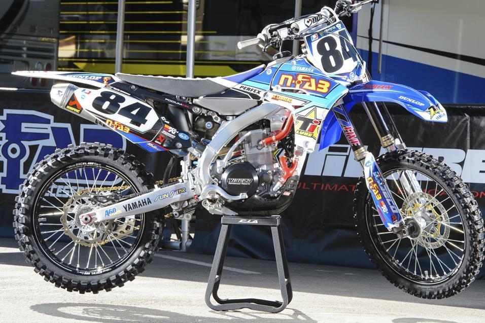 Between the  Motos: Thomas Fichter