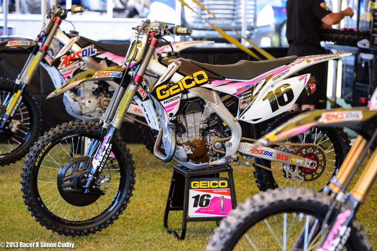 Zach Osborne #16 Geico Honda