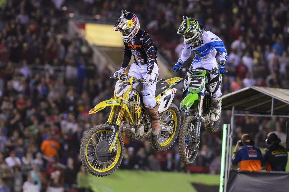 <strong>The Moment:</strong> Stewart<br /> and Villopoto Duel