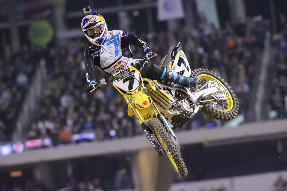 Between the  Motos: Roger Larsen