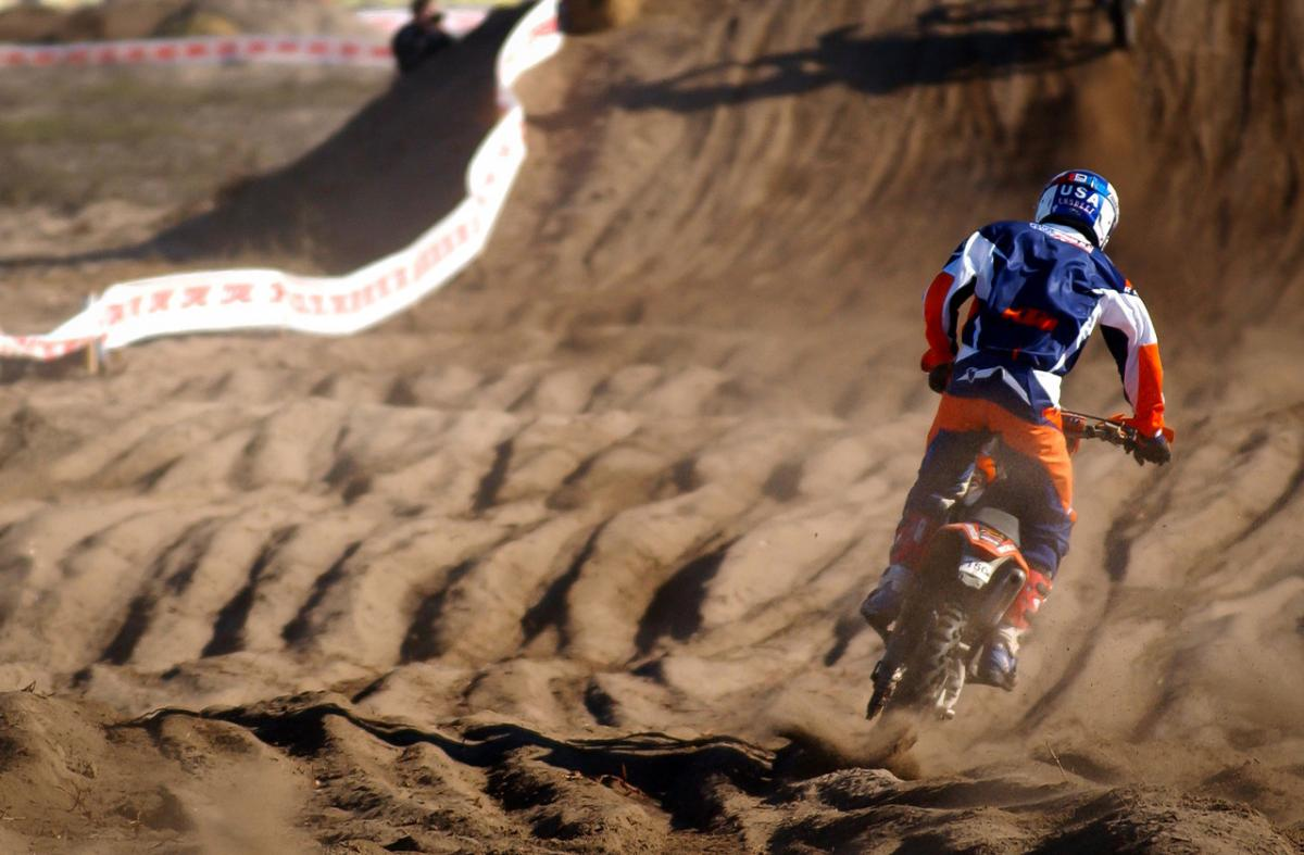 Kurt Caselli rides a long straightway during the Chile ISDE in 2007.