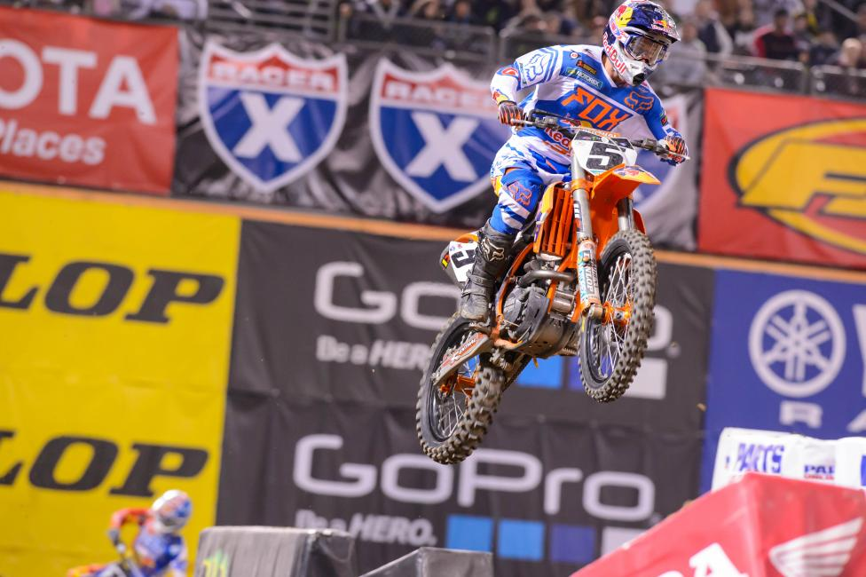 Dungey was aggressive down the stretch in Oakland. Photo: Simon Cudby