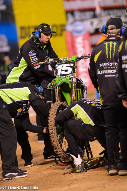 After Dean Wilson crashed, another bike landed on his and broke his front disc. Photo: Cudby