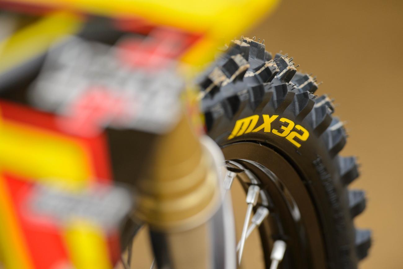 Racer X Films: Dunlop Tires