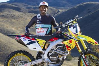 Suzuki Re-Signs James Stewart Through 2015