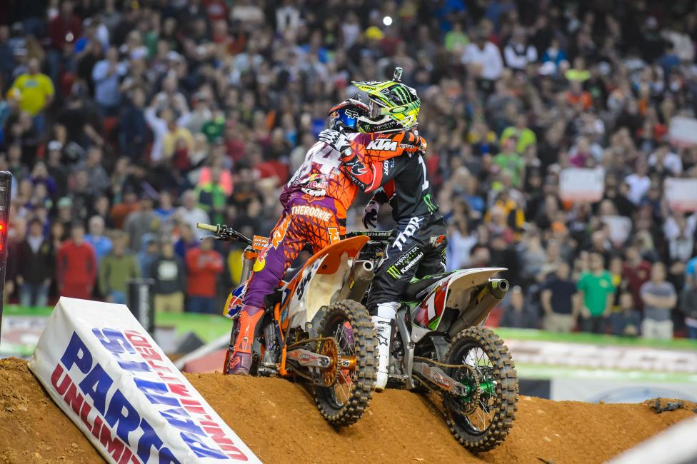 Roczen (left) outlasted Ryan Villopoto to secure his second win of the season.  Photo: Simon Cudby