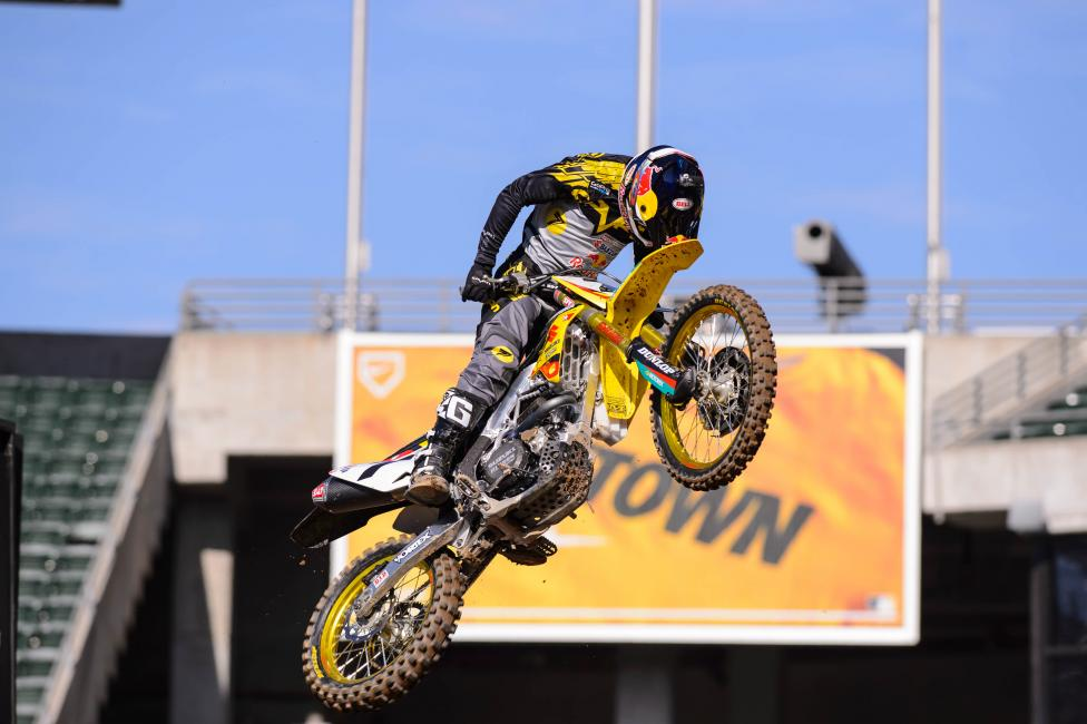 JS7 tries to scratch an itch during timed qualifying.Photo: Simon Cudby