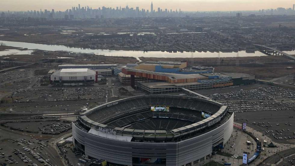 "Maybe the energy from ""The City"" will bring some action to MetLife Stadium in a couple weeks?"