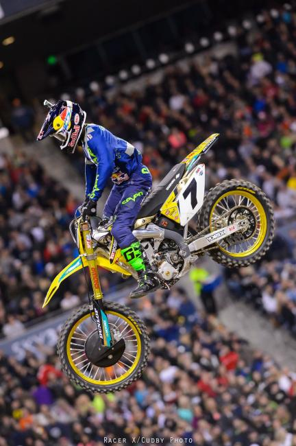 Stewart, dressed in Seattle Seahawk colors, rode the ragged edge trying to track down Villopoto, but it was to no avail.Photo: Cudby