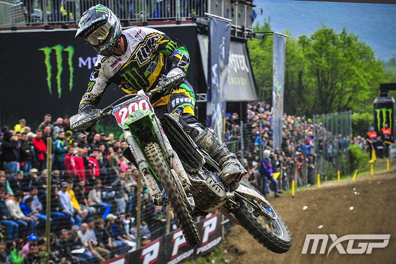 Arnaud Tonus is still in command of the MX2 red plate.