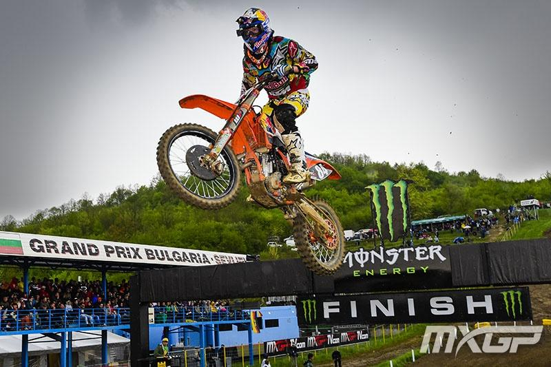 Jeffrey Herlings closed the gap in MX2. Photo: MXGP