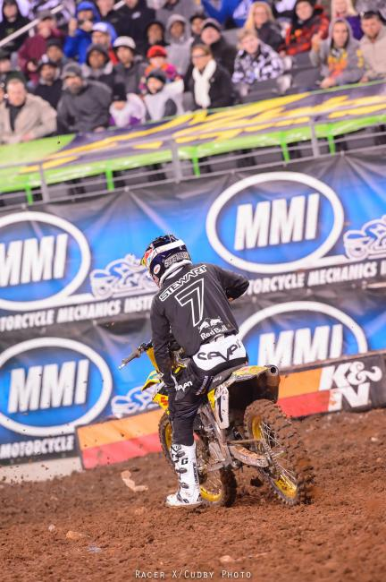 Stew hurt his knee in New Jersey but he's giving it a go this weekend.