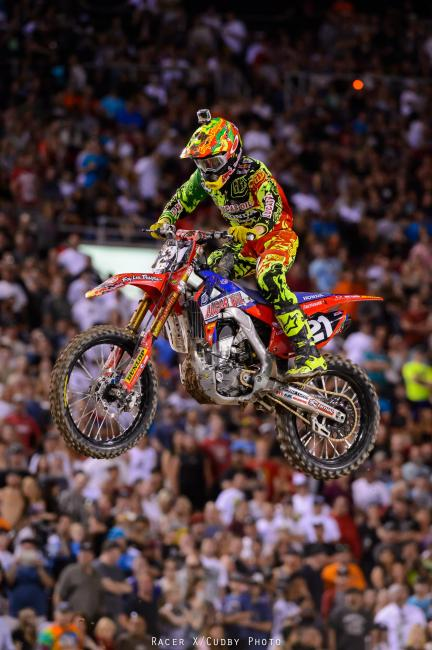 Seely struggled with his starts in both the 250 West main and later in the Shootout