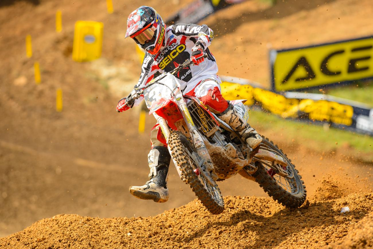 What team is the favorite to win the 250 Class?