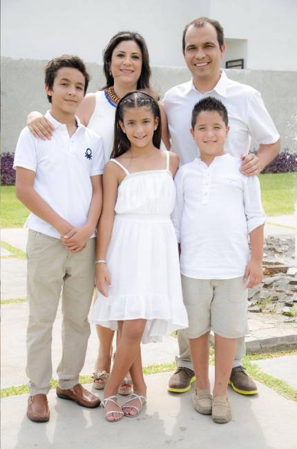 Gonzalez and his family.  Photo: Pedro Gonzalez