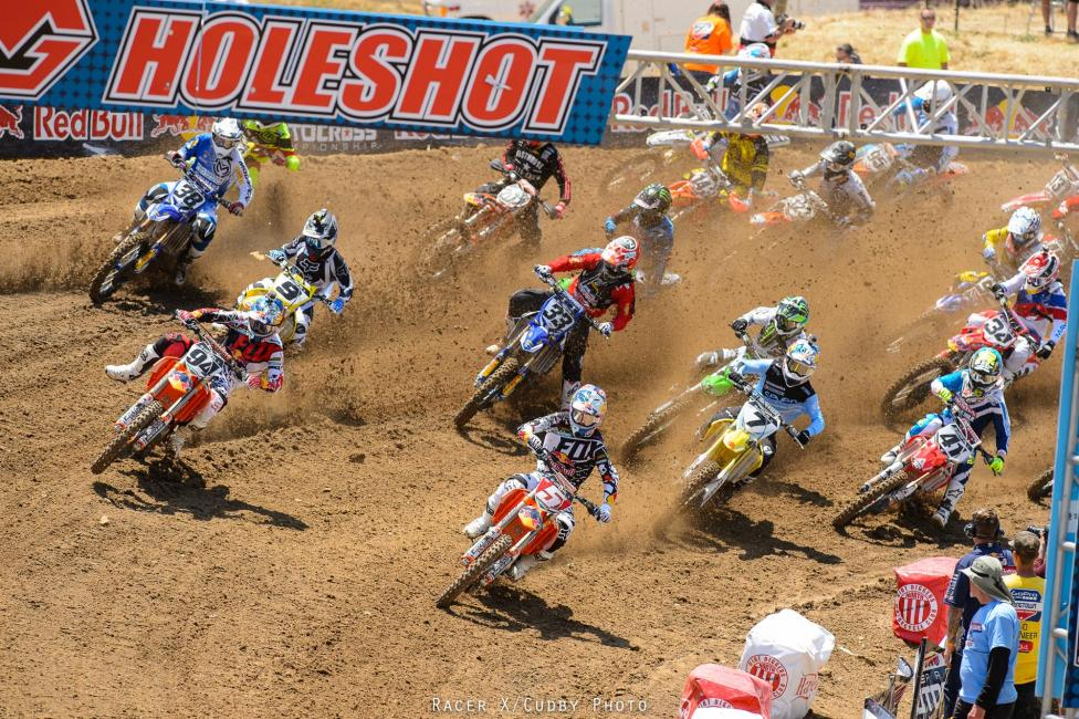 It was all orange on the start of the first 450 Moto.