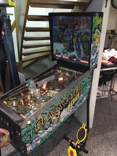 That's a Blackwater 100 pinball machine, spotted in Finland.