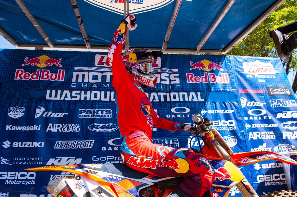 Ryan Dungey went 1-1 to claim the 450 Class overall at Washougal.