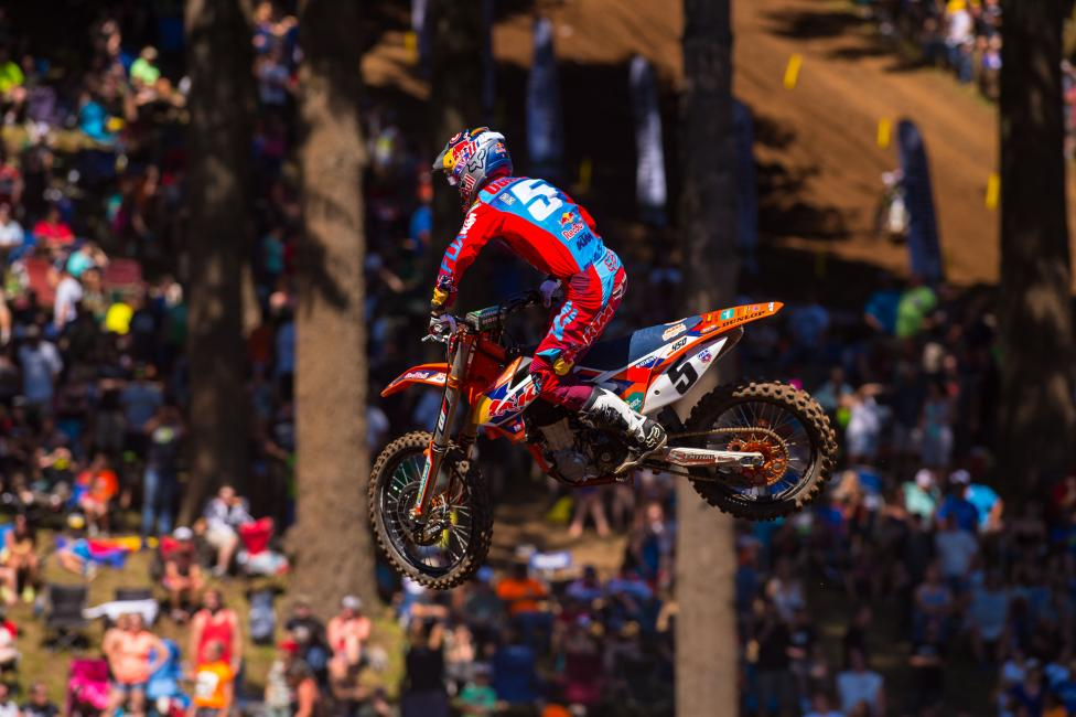 Dungey used Washougal to his advantage Saturday, cutting in to Ken Roczen's points lead.  Photo: Simon Cudby