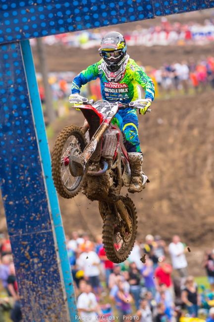 Canard got away after Roczen fell. The crowd was going nuts for him, too. Who knew Canard would end up adopted as Indiana's favorite rider?Photo: Cudby