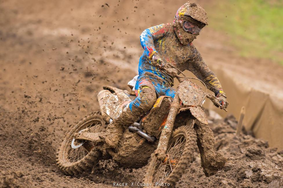 Dungey had to work his way through the slop to second.Photo: Cudby