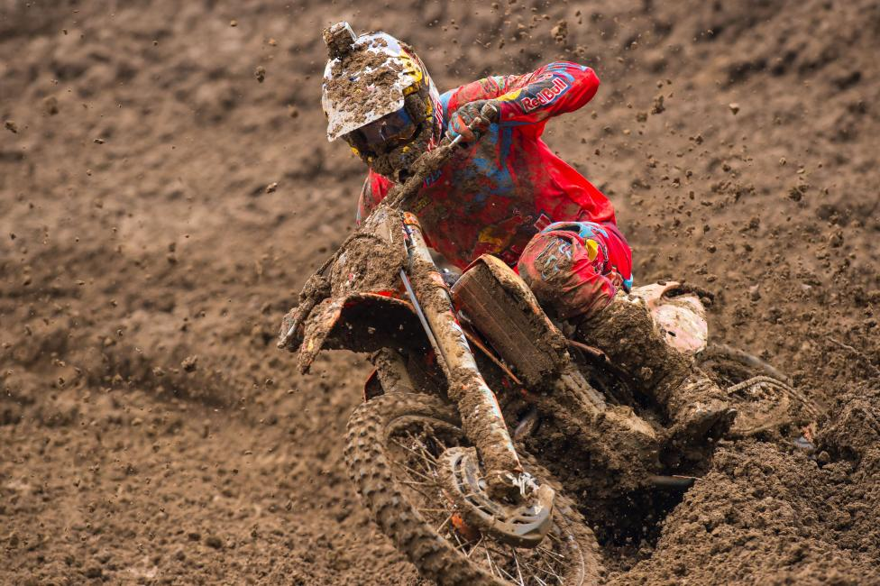Roczen now leads Dungey by 20 points entering the final round. Photo: Simon Cudby