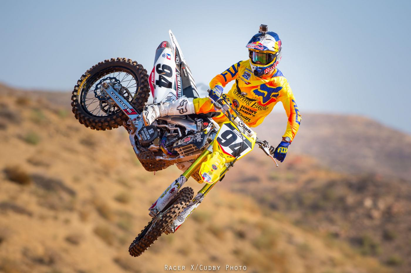 The 23-year old son of father (?) and mother(?), 170 cm tall Ken Roczen in 2017 photo