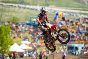 Eli Tomac Sustains Dislocated Shoulder at Thunder Valley