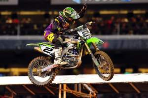 Villopoto hung on to win his first-ever 450cc main event after taking the preceding three races off with a viral illness.