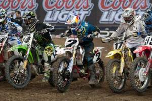 Dusty Klatt finished third on a cool looking Blackfoot Yamaha that had a red frame and white plastic. You know, like us Canadians have always had when you Americans were riding yellow YZs.