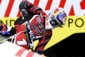 James Stewart will be sporting the number one throughout the 2010 Monster Energy/AMA Supercross Championship.