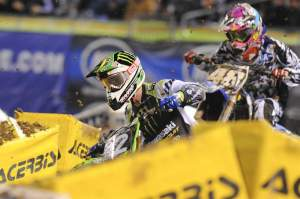 Later in the race, Jake Weimer (12) had to deal with Max Anstie (48), who was about to pass Weimer before getting balked by lapper Jeff Alessi.