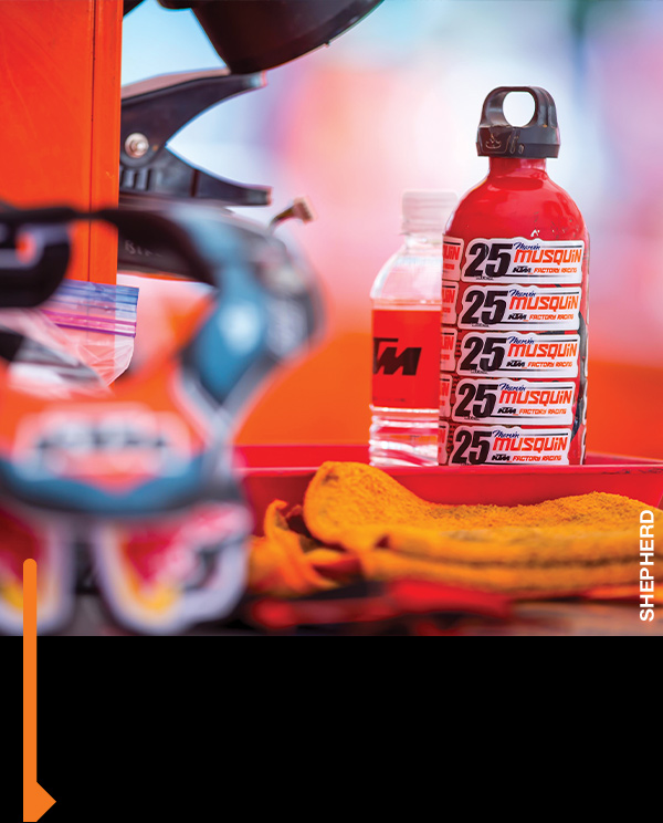 Custom MM25 gas bottles, just in case.